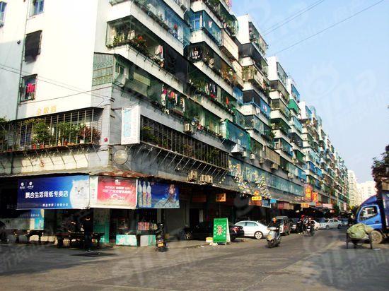 泰逸豪庭售楼处设于项目对面 项目地段前景佳 3图片